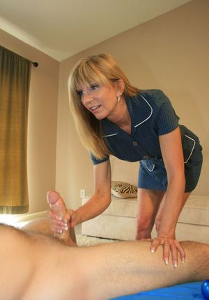 Milf handjob photos