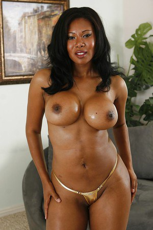 Plump ebony milf