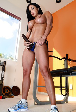 Milf With Muscle 54