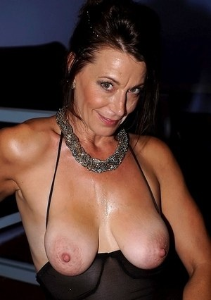 Saggy milf pictures